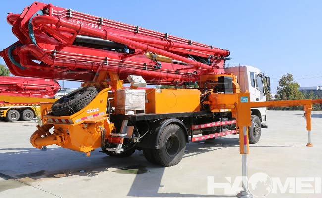 how much is a concrete pump truck cost